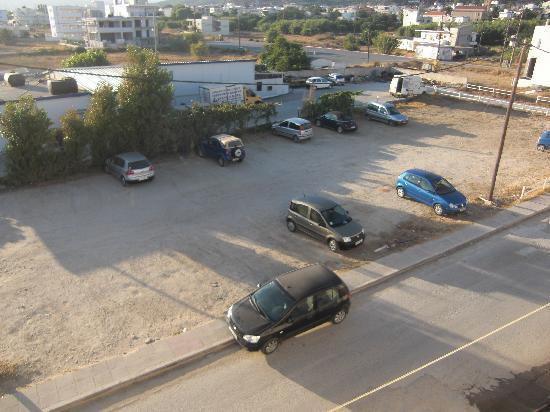 Mandy Studios & Appartments: parcheggio adiacente