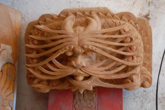 Boao Inn B&B: Visit the wood carving street in nearby QiongHai