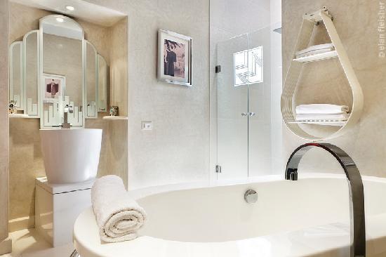 Villa Makassar: Salle de bain Jules leleu