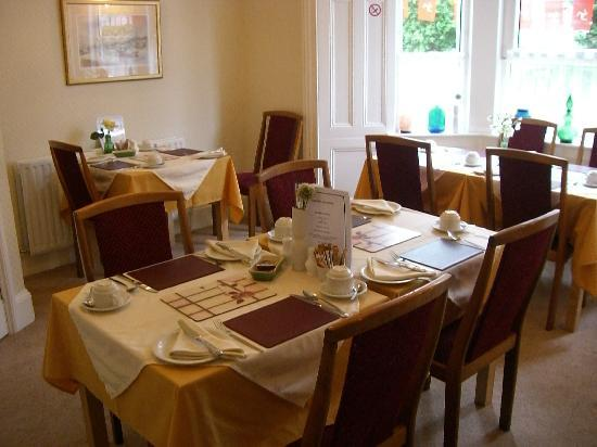 Thorncliffe Guesthouse: Breakfast Room