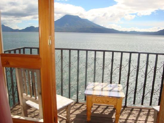 La Casa del Mundo Hotel: View from Room # 13