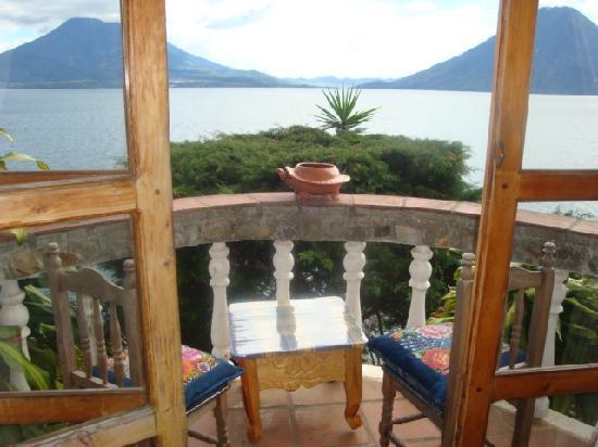 La Casa del Mundo Hotel: Balcony Room # 1