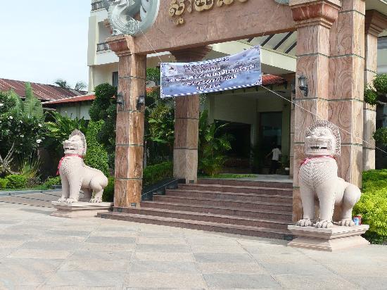 โรงแรมและสปาสไมลิ่ง: Smiling Hotel-2 lions