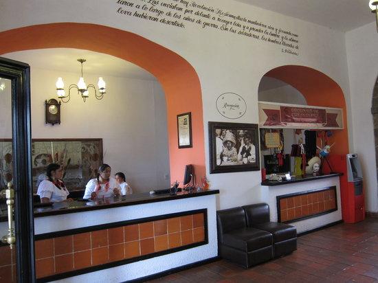 Mision La Muralla : reservation desk