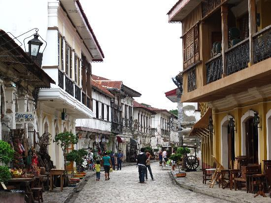 Vigan, Philippines: Calle Crisologo By Day