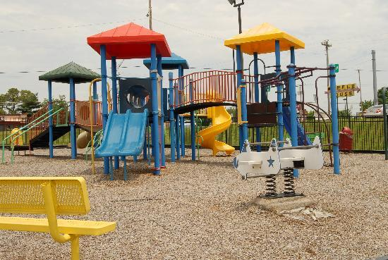 BEST WESTERN Franklin Inn: play ground