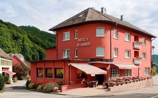 Au Bois le Sire: Hôtel Restaurant terrasse
