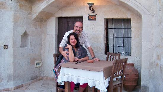 Sultan Cave Suites: In front of our room
