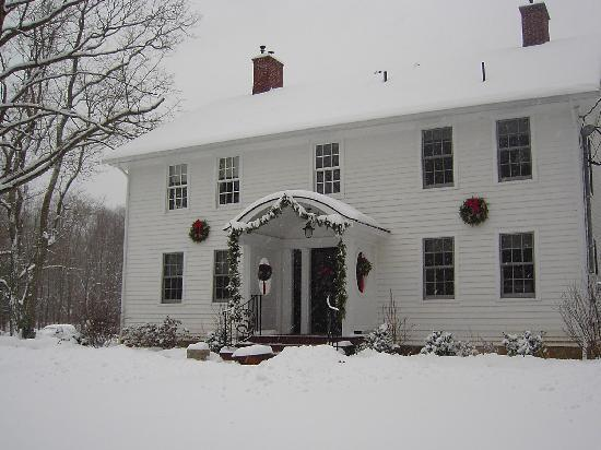 The Williamsville Inn: Winter impression