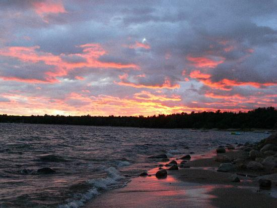 Nobel, Canadá: Stormy Sunset - Awesome !