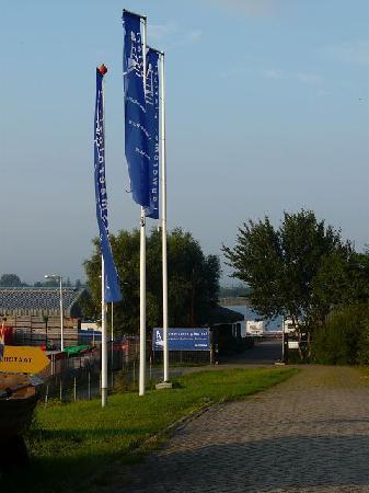 Lauwersmeerplezier: Hier der Eingang zum Stellplatz