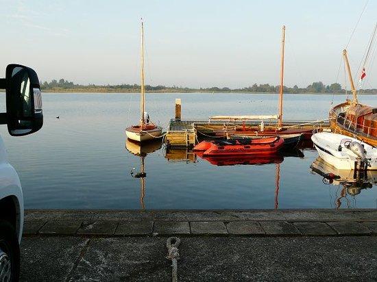 Lauwersoog, The Netherlands: Wer möchte, kann auch ein Boot dort ausleihen