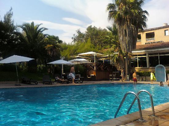 Promotel : piscina nel verde