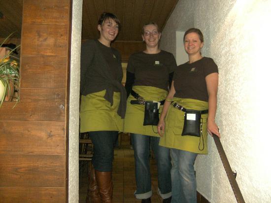 Weinstube Zur Angela-Gastehaus: Wir bedienen Sie gerne!