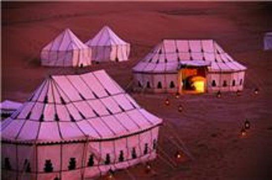 Naamani Groupe Nomadic Camp : bivouac luxe chigaga