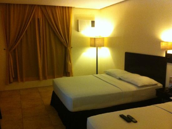 Premiere Citi Suites: Deluxe room at the 5th floor