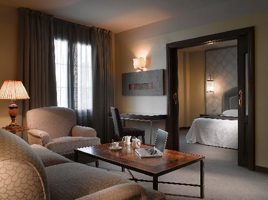 阿爾法羅斯馬茨亞酒店