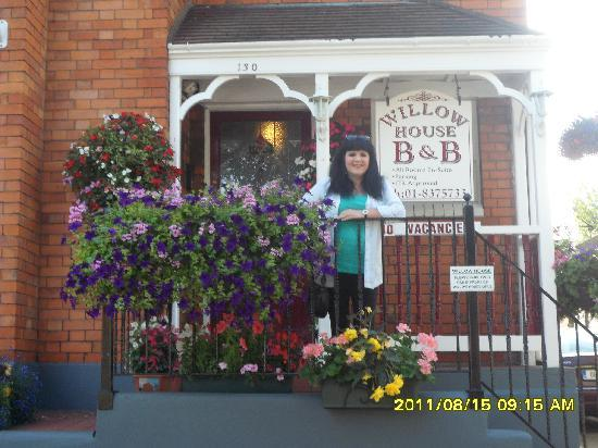 Willow House Bed and Breakfast: Susan at the B&B
