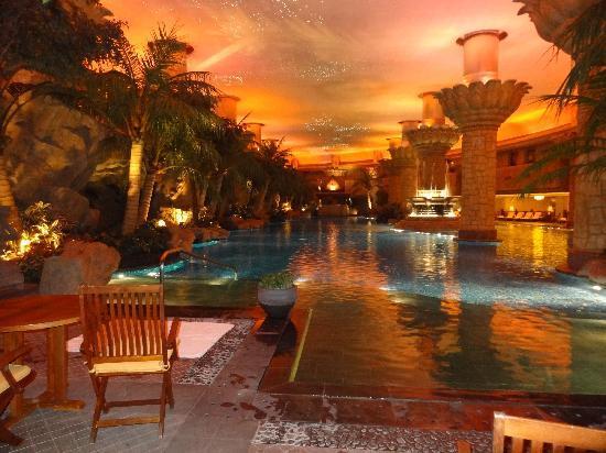 The pool picture of grand hyatt beijing beijing tripadvisor for Grand hyatt beijing swimming pool