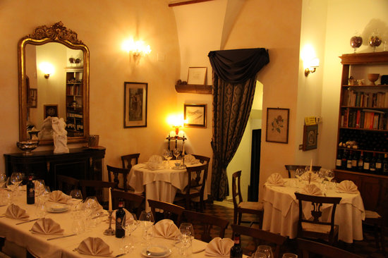 Sansepolcro, Italien: sala ristorante al coccio