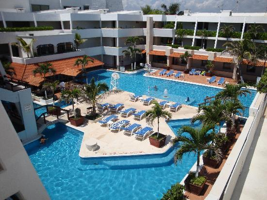 Flamingo Cancun Resort: Main Pool - Plaza, From 4th Floor (More pics at:
