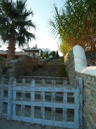 Parian Village: Access up to the hotel from beach path