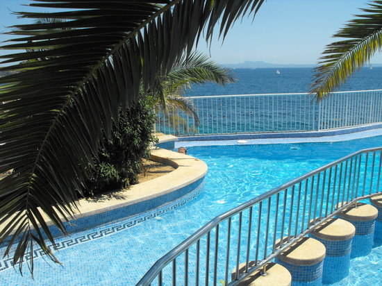 Roc Illetas: The pool.
