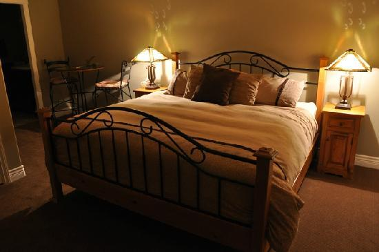 Wilbernics Bed and Breakfast: King Bed