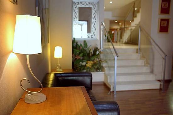 Hotel Suite Camarena Plaza: Entrada