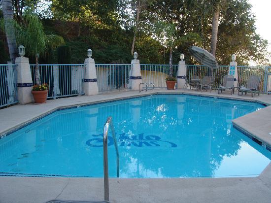 Hilltop Suites Hotel : Shilo Inns Pomona Hilltop Pool