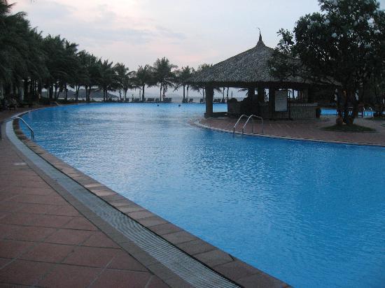 Vinpearl Nha Trang Resort: did i mention BIG pool?