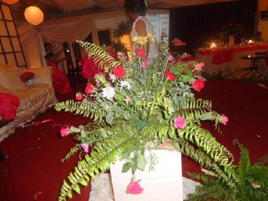 Golden Palace Hotel: the what they called fresh flowers daw!