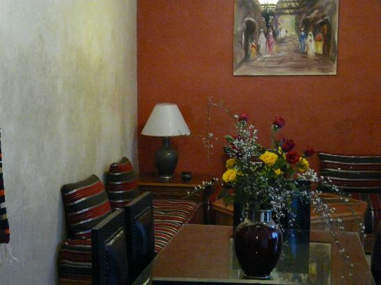 Riad L'Orange Bleue: le salon marocain