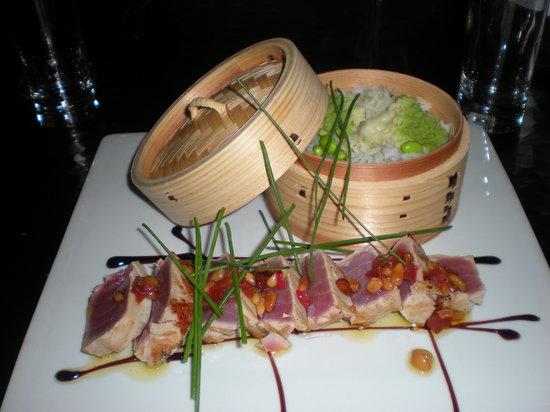Le OUI : Just gorgeous tuna loin!