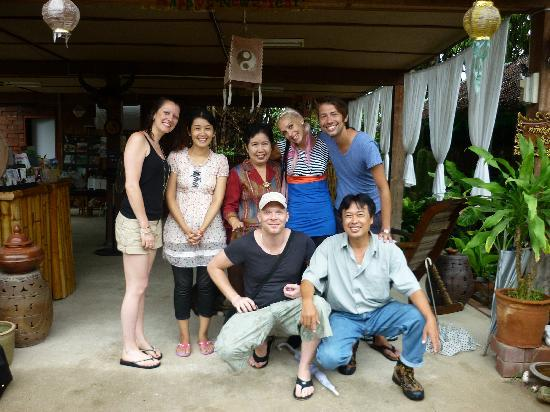 Ban Chunsongsang Home Stay: Thank you to Nong, Coco and family!