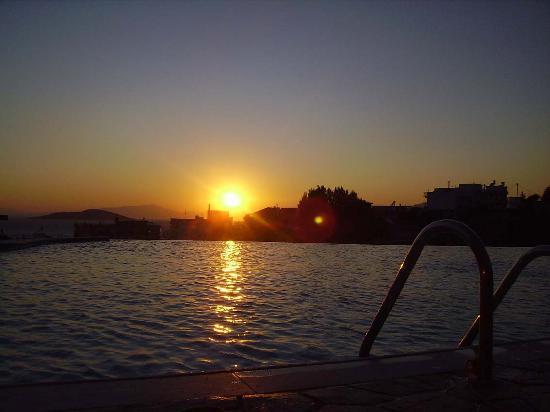 Evia Hotel & Suites: Pool