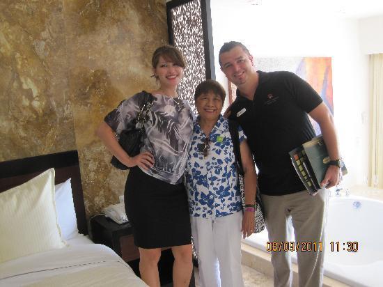أوشن سبا هوتل أول إنكلوسيف: With Jenny from New York and Mario from Cancun
