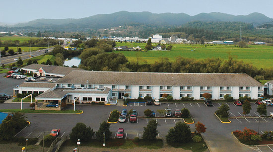 Shilo Inn Suites Hotel - Tillamook: Located on the Wilson River near the Tillamook Cheese Factory and easy driving distance to the b