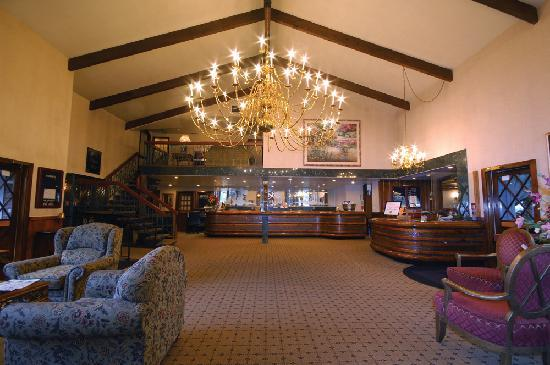 Shilo Inn Hotel & Suites - Beaverton : Shilo Inns Beaverton Lobby