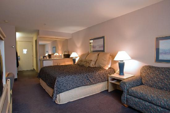 Shilo Inn Suites - Warrenton: Shilo Inns Warrenton Single Queen Suite