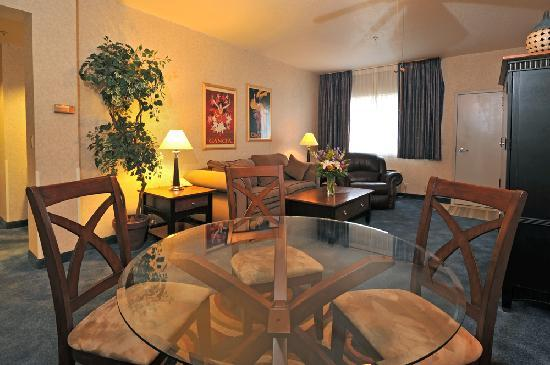 Shilo Inn Suites - Twin Falls: Shilo Inns Twin Falls Hotel Apartment Suite