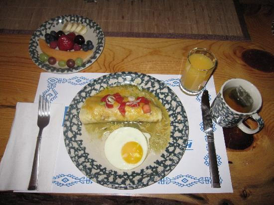 Flagstone Meadows Ranch Bed and Breakfast: Breakfast burrito