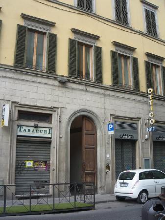 B&B Tourist House Ghiberti: このアパートの2階にあります