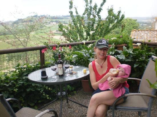 Hotel Vecchio Asilo: Relaxing in the gardens