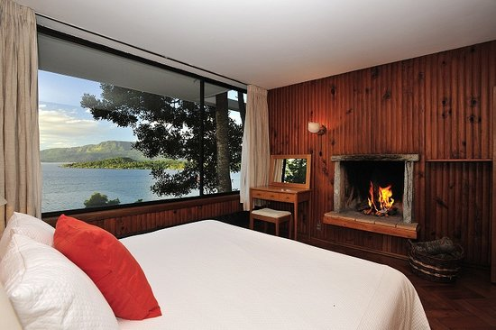 Hotel Antumalal: Double Room with Lake View