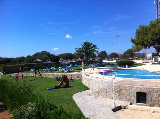 Sol Romantica : giochi e piscina