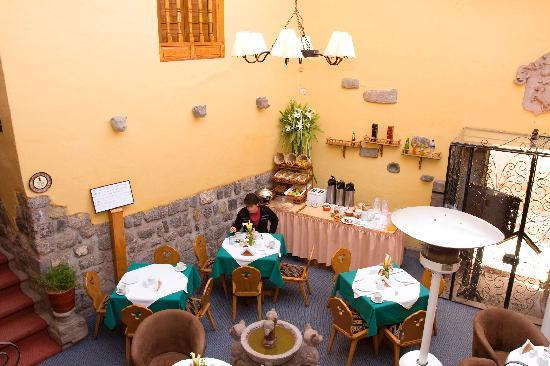 ‪هوتل آند ميرادور لوس أبوس: El Patio Restaurant featuring Cusco's and int'l gastronomy‬