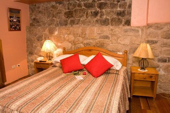 Los Apus Hotel & Mirador: Room #207 with authentic inca wall