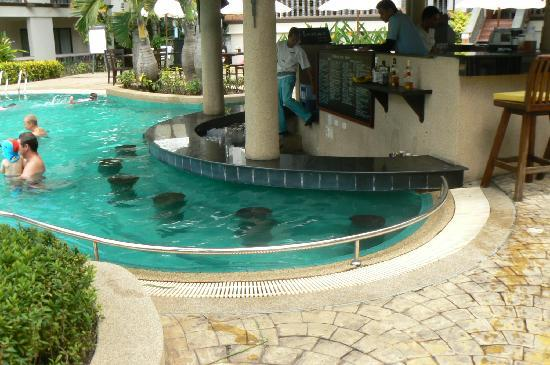 Centara Kata Resort Phuket: The Waves Pool Bar