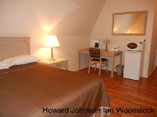 Howard Johnson Inn Woodstock NB: 2 Queen Bed Suite